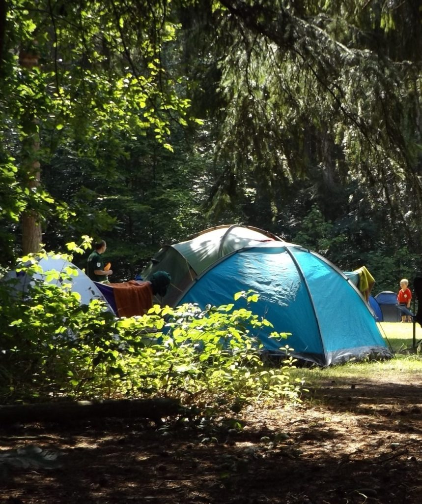Campen mit Kindern im Zelt