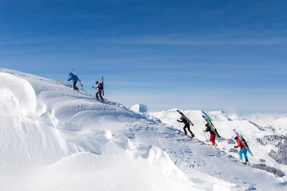 Anstieg mit Skiern - Freeride Camp