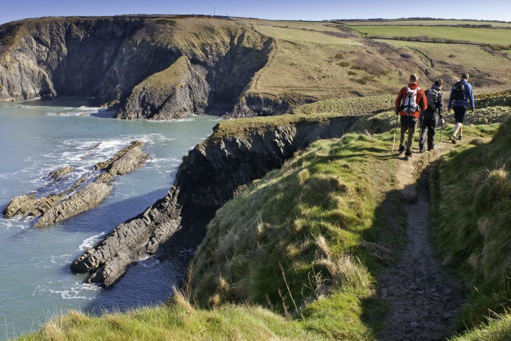 Ausblick auf die walisische Küste am Coast Path